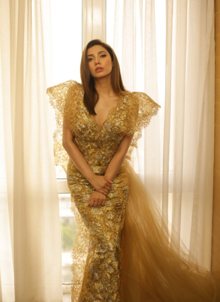 Mahira Khan in fairy's look during Lux Style Awards in July 2019